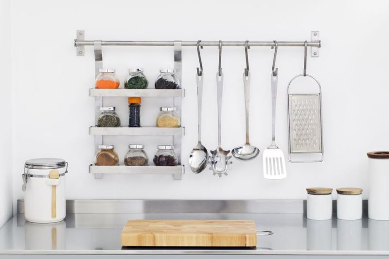 What to store on your kitchen counters ? Snug Hug & Co.