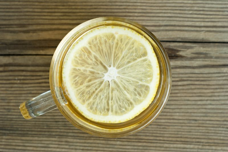 Health benefits: warm water and lemon in the morning – Snug